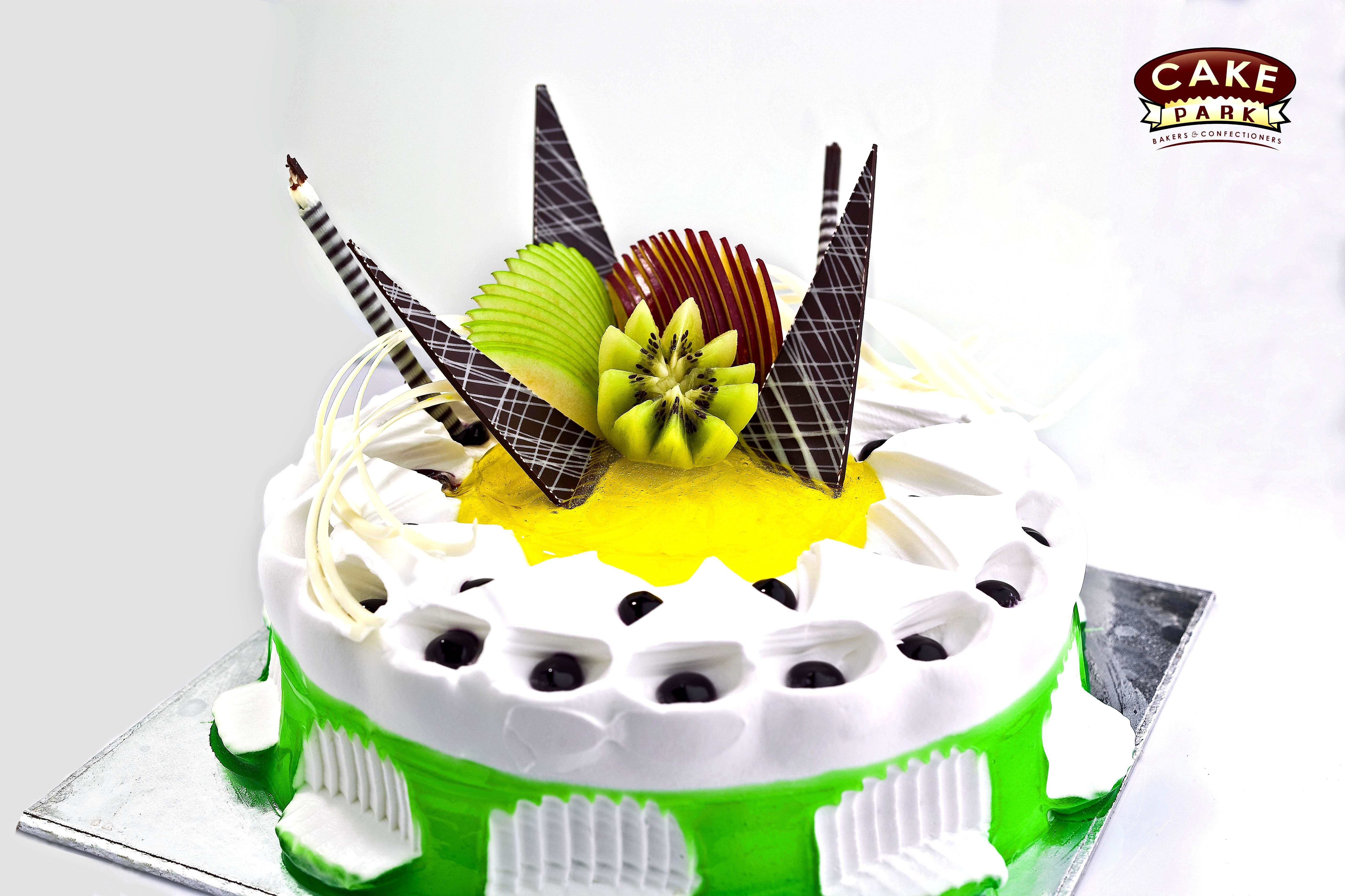 Lovely Colorful Cake For Your Fiance Birthday Order Cakes Online In Chennai And Banglaore Photocakes Birthdaycakes