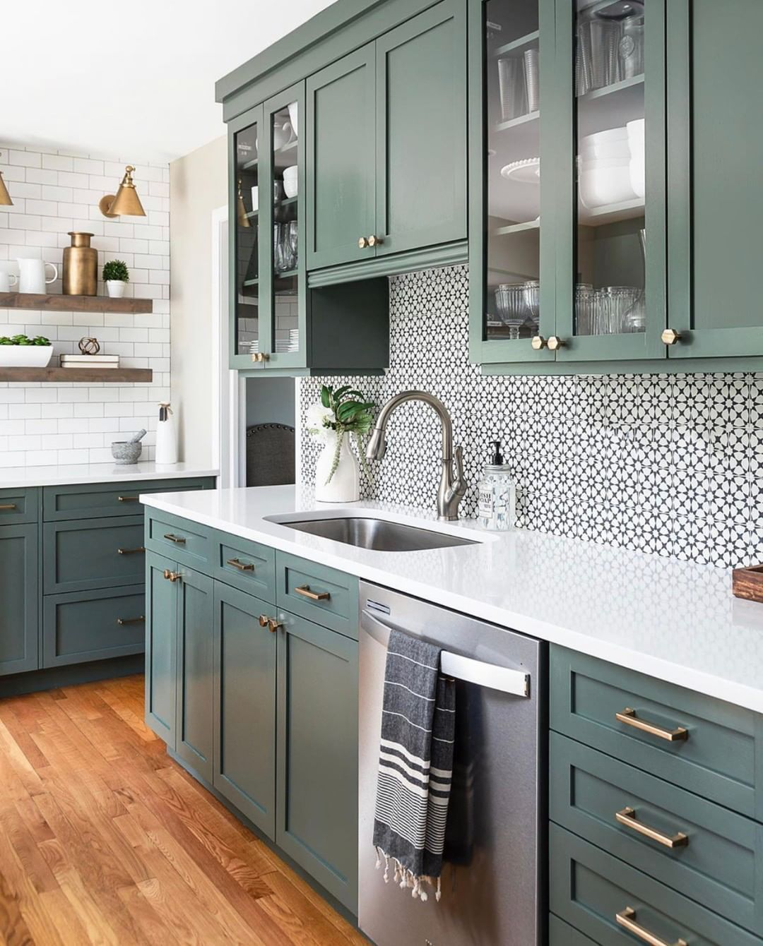 Hello Kitchen On Instagram Congratulations To Chadesslingerdesign For Blowing Up Houzz With This Stunn In 2020 Green Cabinets Kitchen Renovation White Countertops