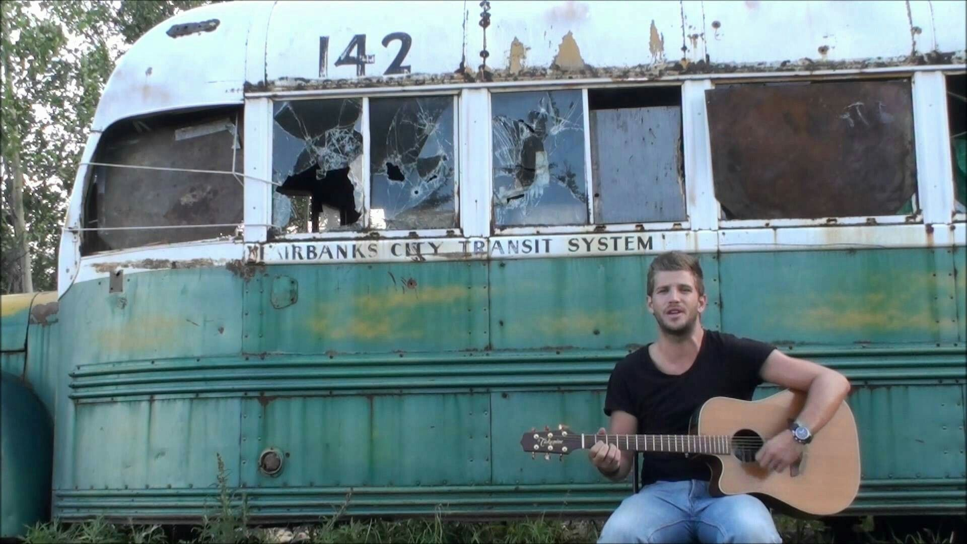 chris mccandless pictures - 736×414