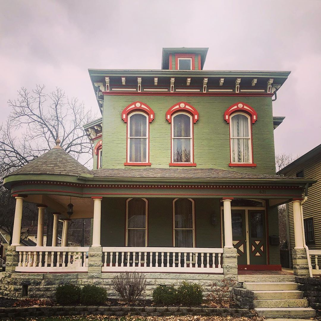 Pin By Kaohansa On Victorian Houses And Old Homes Victorian Architecture Victorian Homes Architecture