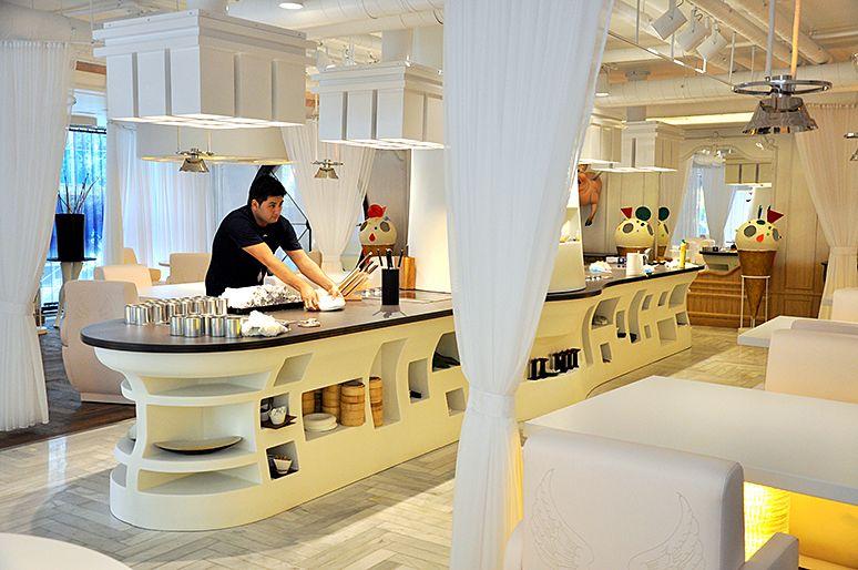 Restaurante Diverxo De David Muñoz Una Decoración De Fantasía Http Icono Interiorismo Blogspot Com Es 2015 01 Restau Restaurantes Decoración De Unas Diverxo