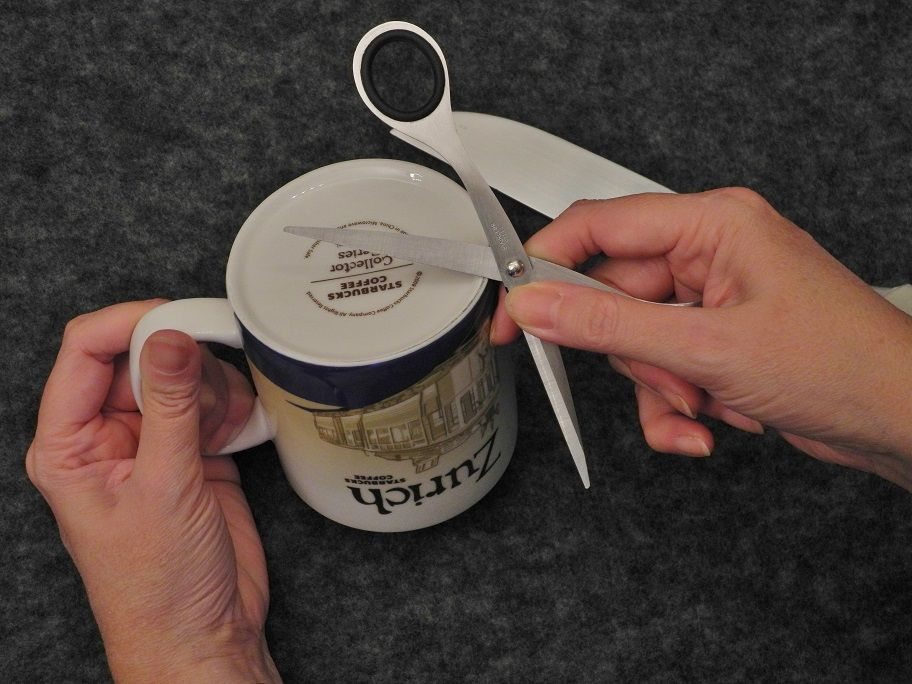 How to sharpen knives and scissors with a mug how to