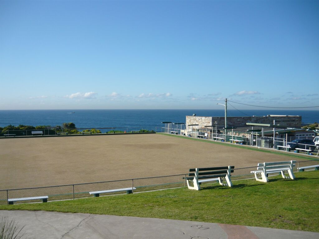 Burrows Park between Clovelly and Bronte. The Bowling Club there. Must be one of the few in the world with an ocean view.