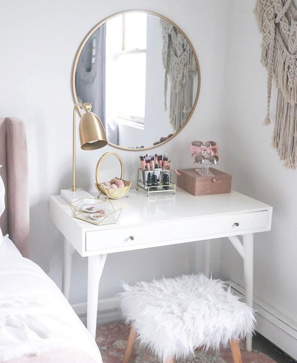 Every girl deserves a proper makeup station Feminine