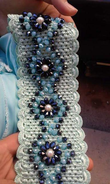 3acf14c56 بعض موديلات فن الكروشي بالعقيق krouchi | masloul et randa | Col en dentelle  en crochet, Crochet perlé, Broderie haute couture