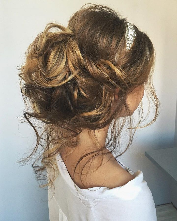 Effortlessly Chic Wedding Hairstyle Inspiration: Beautiful & Chic Messy Wedding Updos Hairstyles Perfect