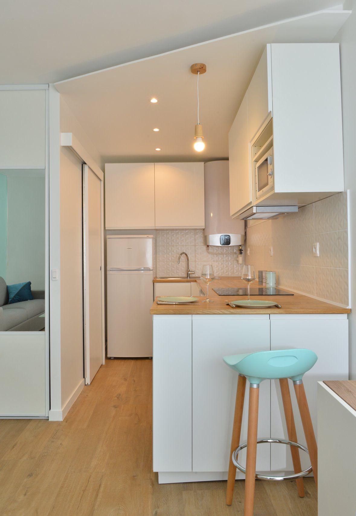meuble gain de place cuisine top amnagement et dcoration studio location meuble gain de place. Black Bedroom Furniture Sets. Home Design Ideas
