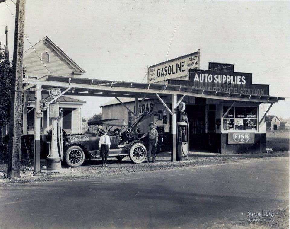 Esso Fuel Pump Wayne Numerator HISTORY // Vintage