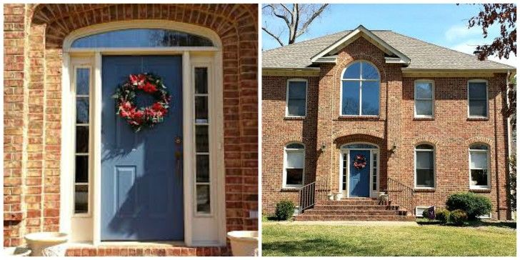 exterior-grey-wooden-door-with-round-wreath-connected-by-double-glass-windows-with-white-wooden-frames-chic-front-door-colors-for-brick-houses-offers-amazing-nuance-728x364.jpg (728×364)