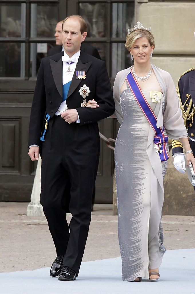 White Tie With Decorations White Tie In 2019 Princess Kate