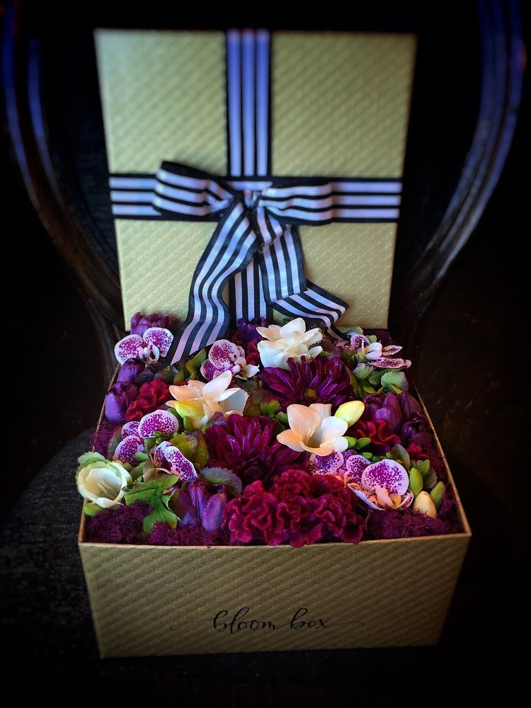 The Gold Standard Bloom Box — Fabloomosity Floral Atelier