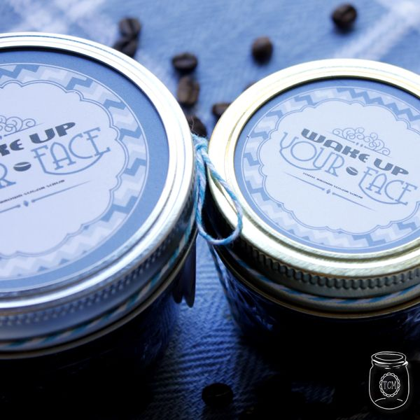 Coffee and Brown Sugar Scrub DIY & Free Printables #sugarscrubrecipe