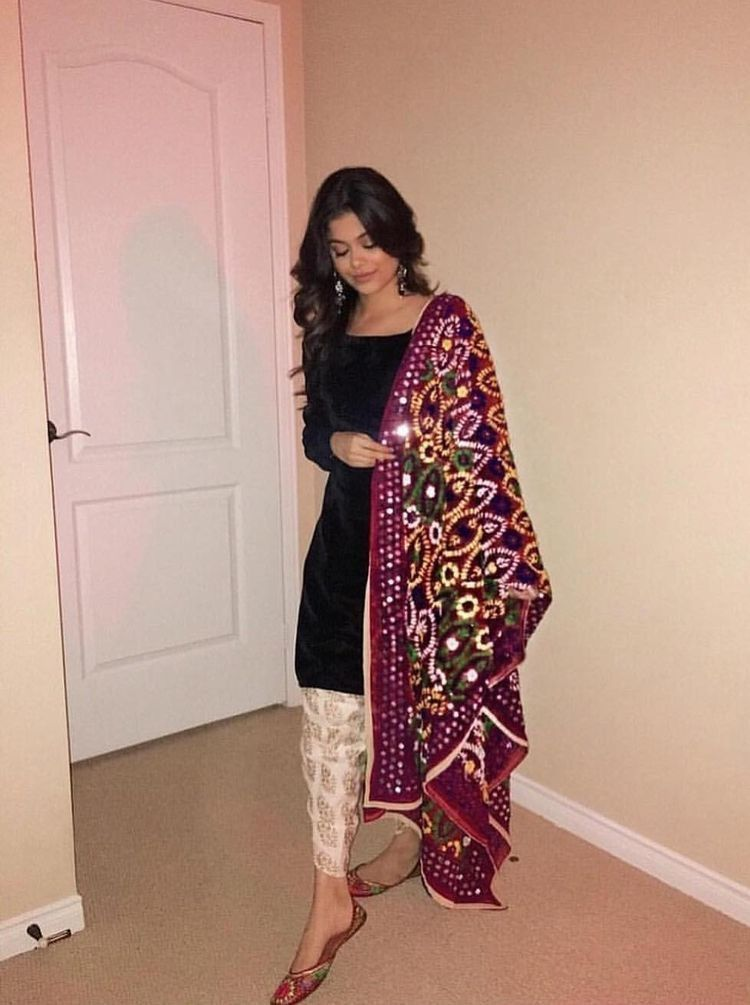 Pin by Arianne R on Suit lovers   Pakistani fashion, Pakistani outfits,  Fashion