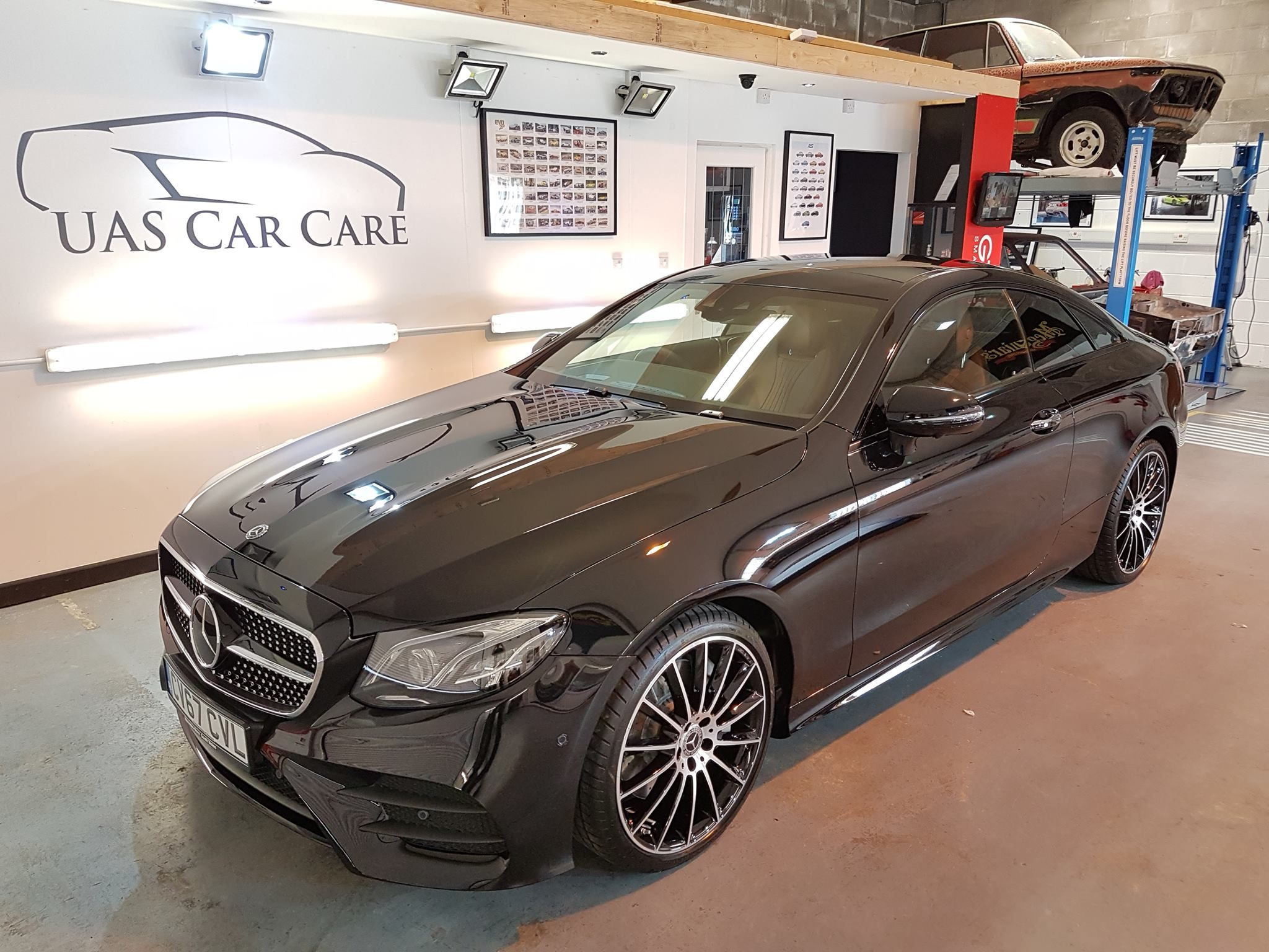 Stunning mirrorlike finish to this Mercedes with Crystal