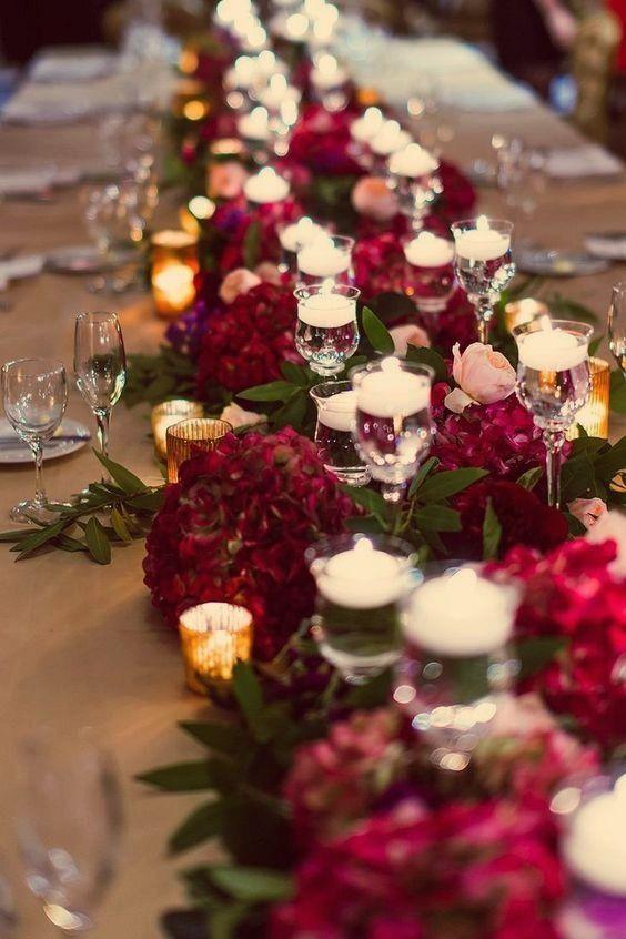 Winter bruiloft decoraties met kastanjebruine kleurenthema