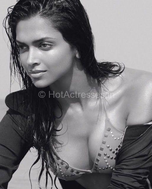hot Deepika boobs padukone