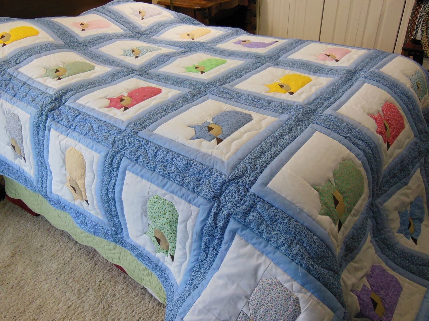 Custom Sleeping Cats Quilt | Custom quilts, Embroidery letters and Cat