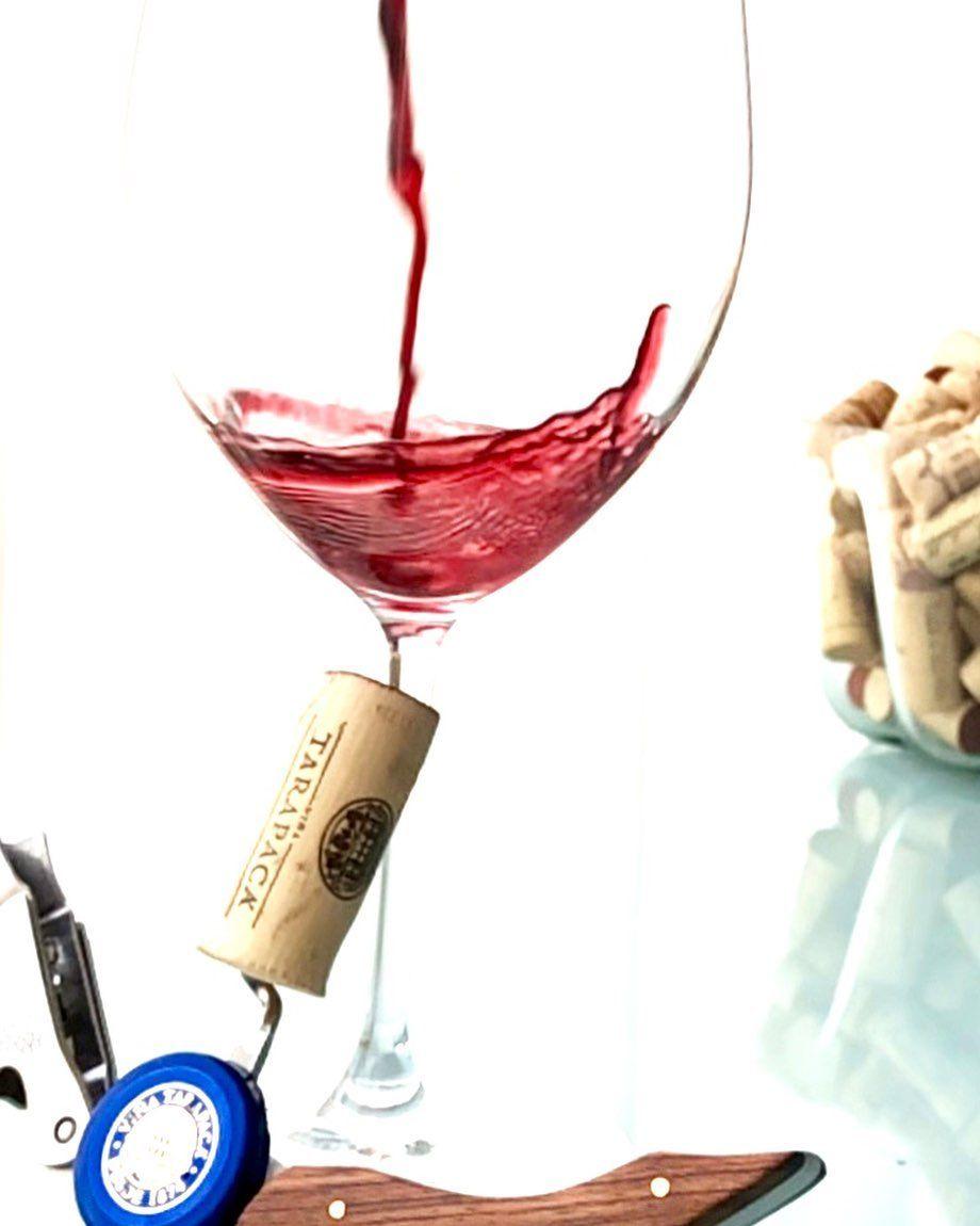 Photos By Mi Taraborelli Brasil Tarapaca Etiqueta Azul 2015 Hummm Vinhaco Vino Vinorosso Sommelier Vin Bo Wine Lovers Red Wine Alcoholic Drinks