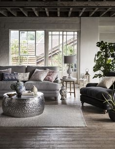 Take a look at this amazing home interior design trends | www.vintageindustrialstyle.com #uniquelamps #vintageindustrial #lightingdesign #homeinteriordesigntrends