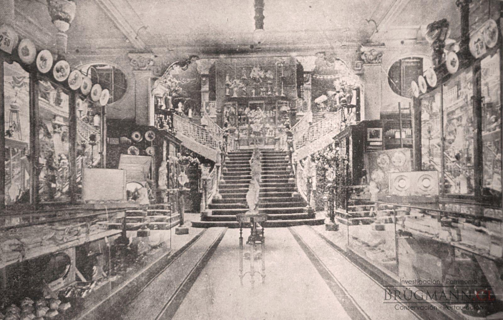 Escalera central de la tienda gath chaves de santiago - Escaleras para almacen ...