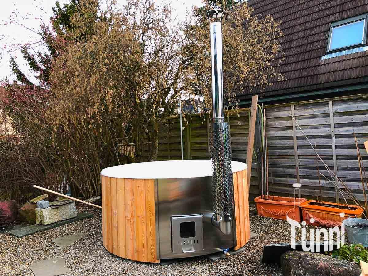 Kunden Fotogalerie Fur Tunni Hotpot Sauna Ofuro Grillkota In 2020 Hot Pot Holzbadewanne Sauna