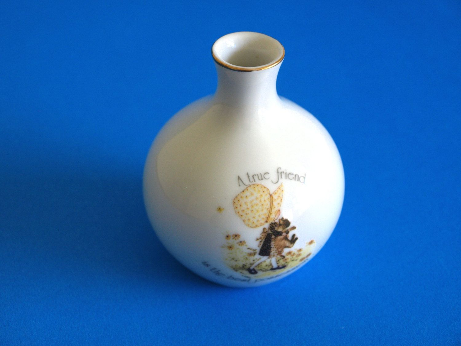Holly hobbie bud vase a true friend is the best possession holly hobbie bud vase a true friend is the best possession retro children porcelain reviewsmspy