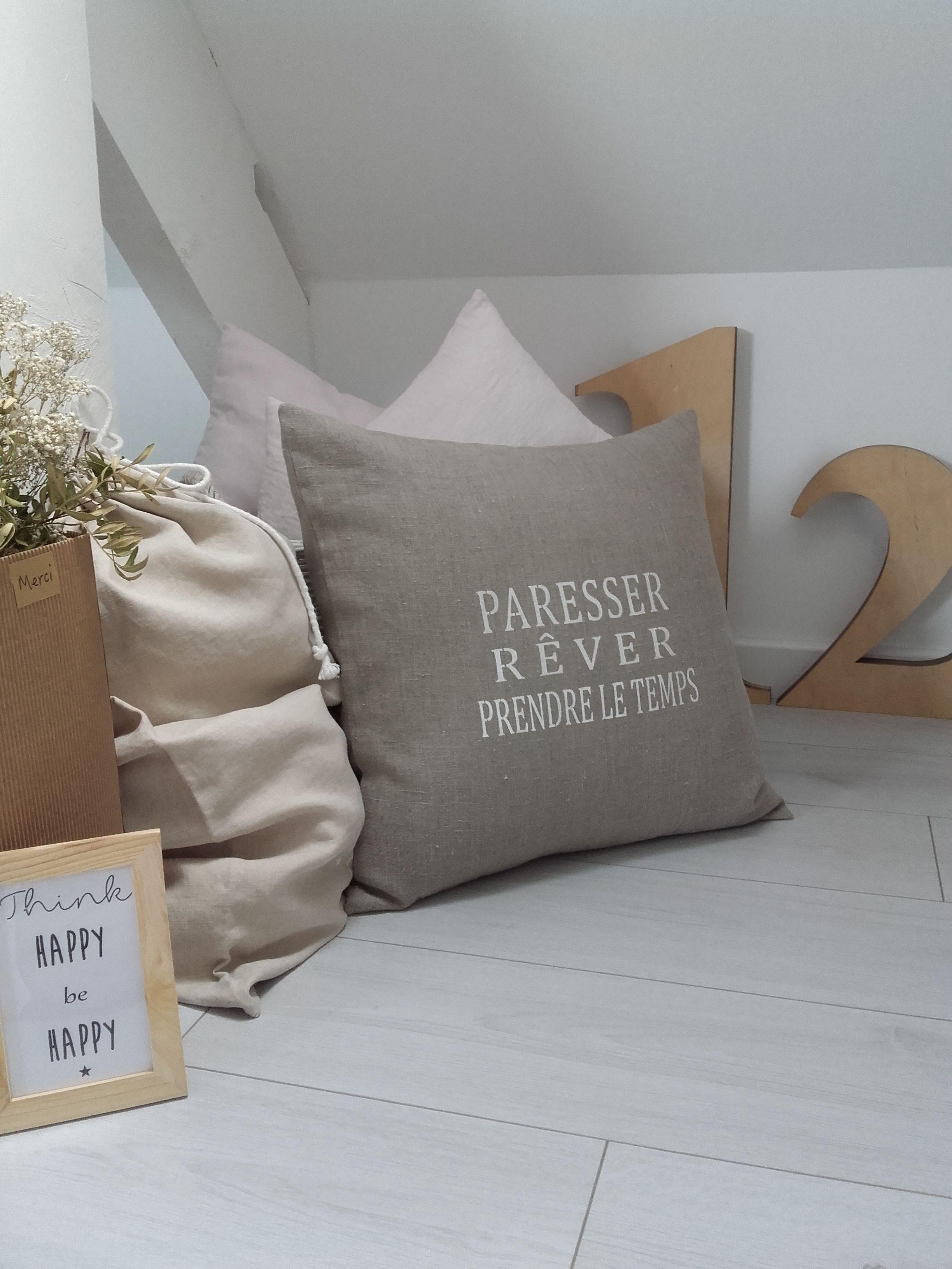 coussin lin lav personnalis au pochoir beau linge pinterest coussin lin lin lav et pochoir. Black Bedroom Furniture Sets. Home Design Ideas