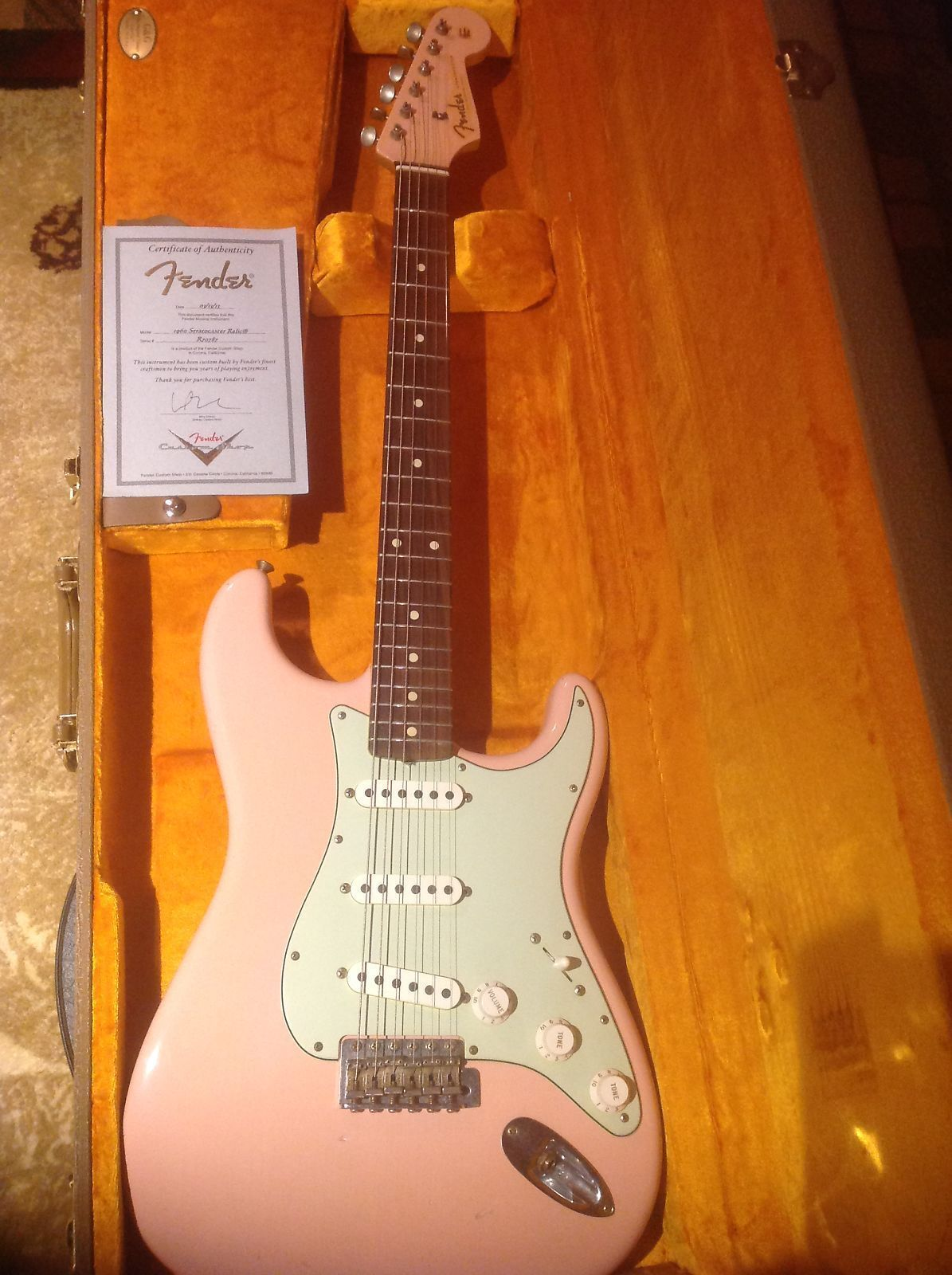 0d02bae66d 1960 Fender Custom Shop Stratocaster Relic *RARE* Shell Pink Matching  Headstock