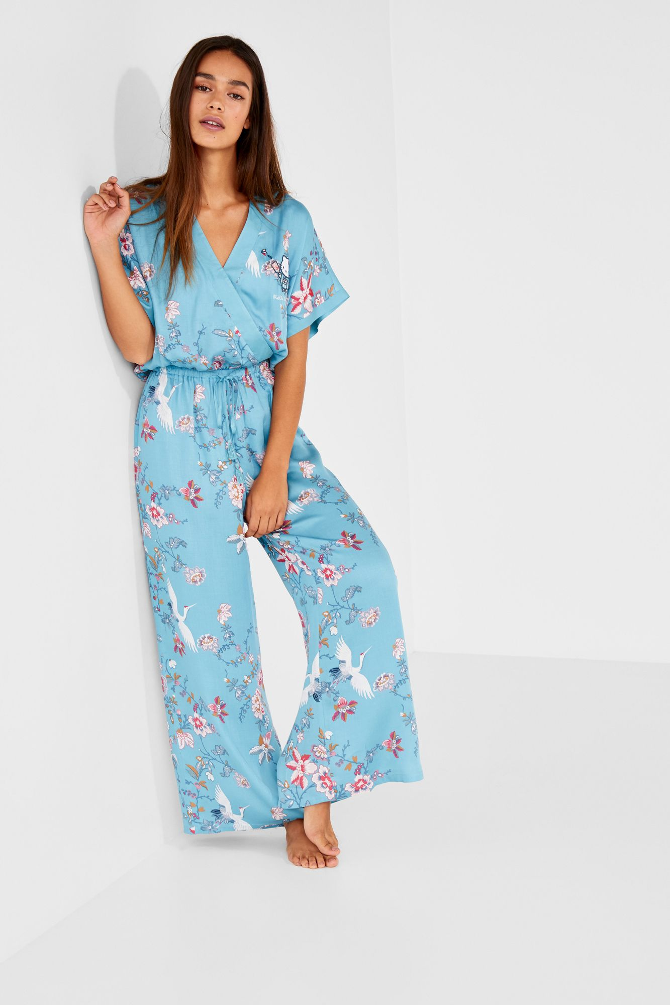 854c94a91646 Long satin jumpsuit with short sleeves, a v-neck and Asian inspired and  Hello