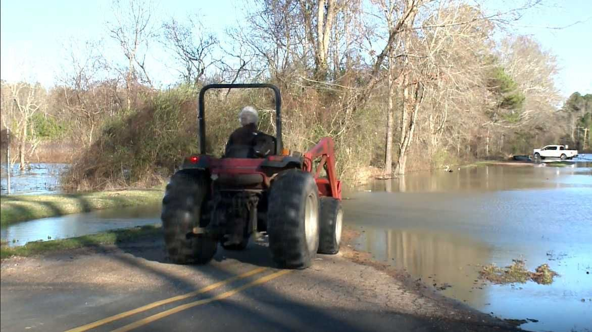 Residents cope with flooding on Westbrook Road Water