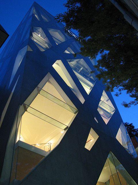 Toyo Ito: TOD's building, Omotesando, Tokyo