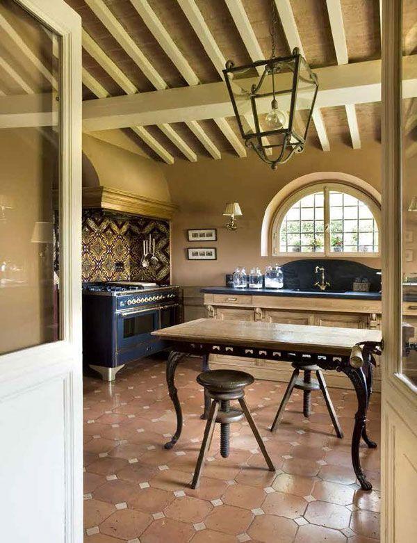 Bolgheri tuscany italy ville casali country life for Arredamento rustico italiano