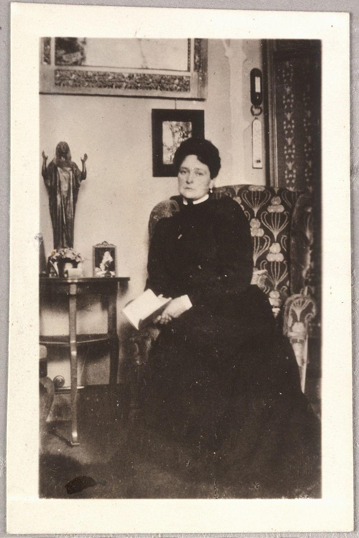 Alix, 1905