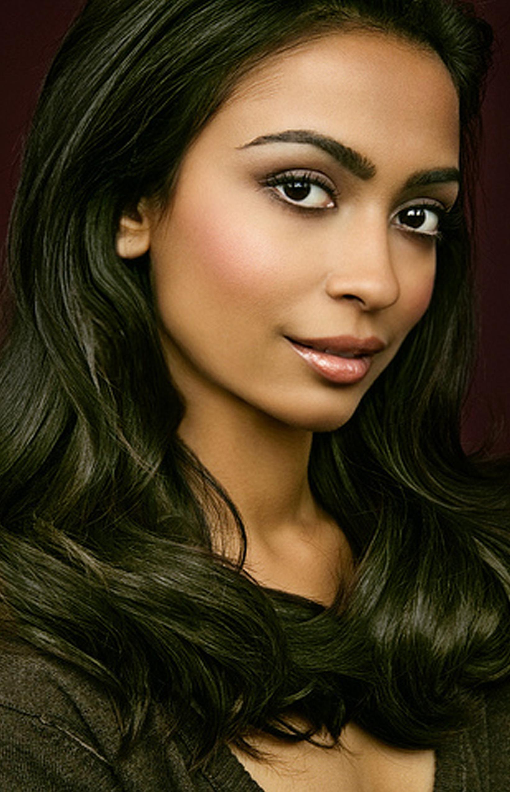 Olive/medium skin tone makeup Medium skin tone makeup
