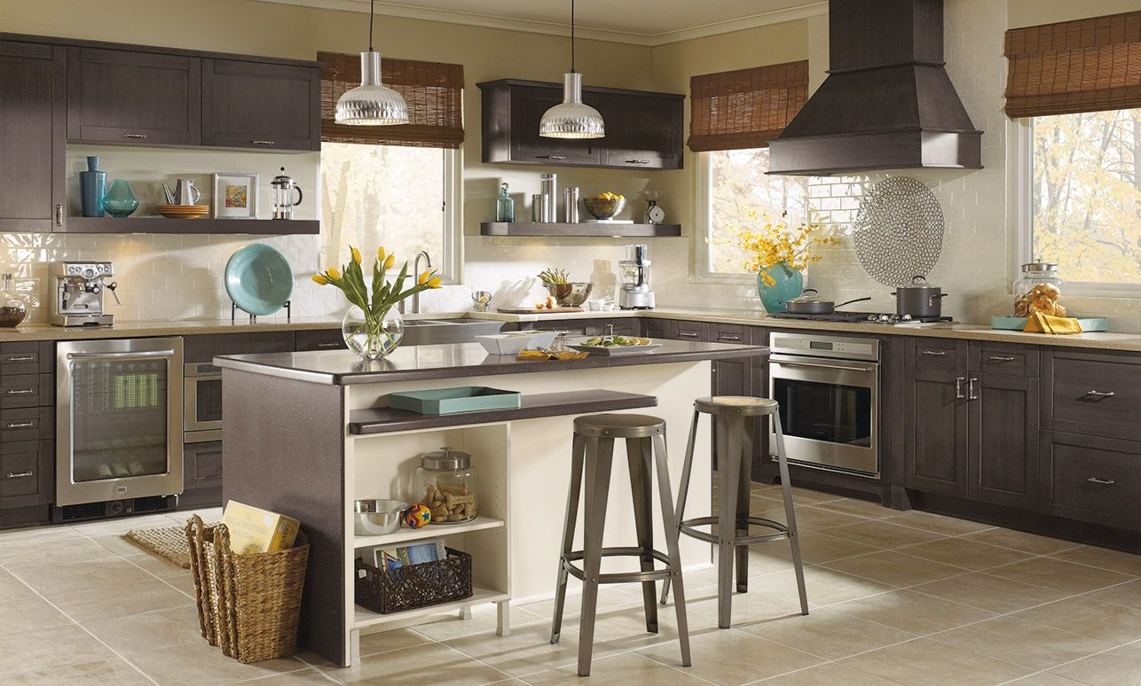 Casual Kitchen With Pearson Shaker Style Kitchen Cabinets Kitchen Craft Cabinets Industrial Style Kitchen Kitchen Cabinet Styles