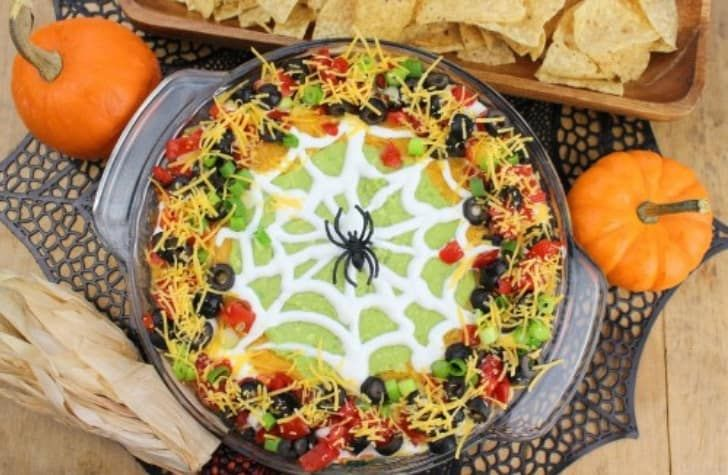 Halloween Themed Recipes for Potlucks: Spooky-Fun Ideas! #halloweenpotluckideas