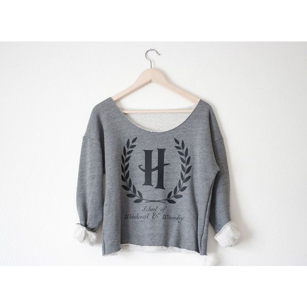 Hogwarts School of Witchcraft & Wizardry Athletic Crop Sweatshirt ($50) ❤ liked on Polyvore featuring shirts