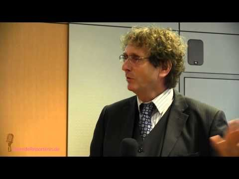 """Rede von Prof. Michael Braungart im März 2014 in der IHK Lahn Dill. Im Vortrag """"Cradle to Cradle – von Produkten, die der Umwelt nützen"""" erl..."""