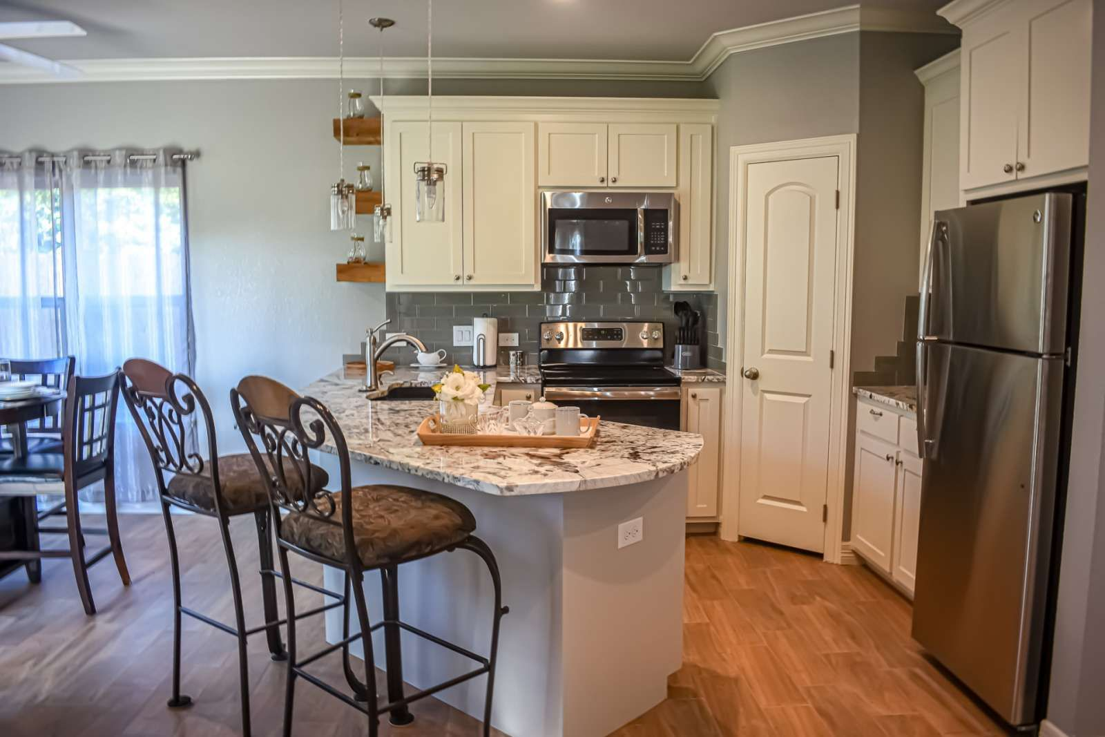 Springtown Vacation Rental Modern Country Cottage