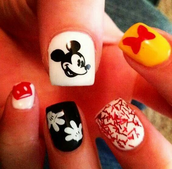 Mickey n Minnie nails | Makeup & Nails | Pinterest | Mickey mouse ...