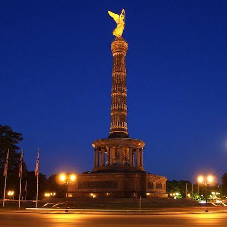 Berlin Alexanderplatz Bei Nacht Deutschland Berlin Alexander Square By Night Germany Tolle Reiseziele Orte Zum Besuchen Berlin Alexanderplatz