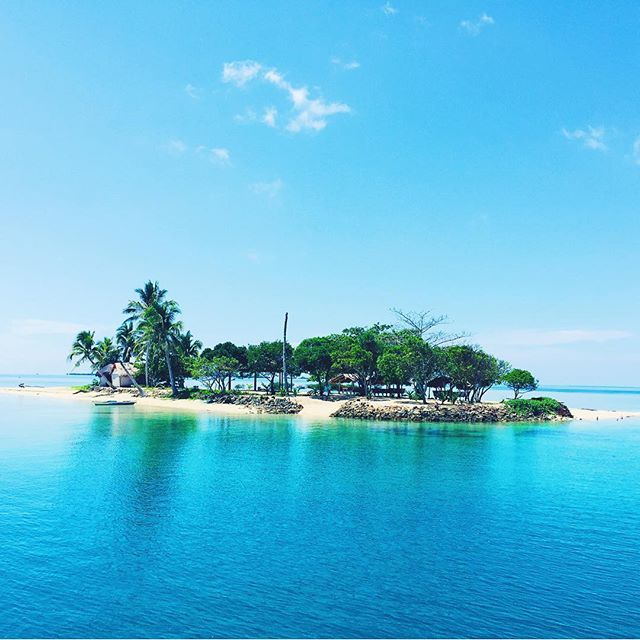 We found heaven on earth! #uninhabitedisland #philippines #followyourdream #ctd #dreamitdoit #island #paradise #heaven