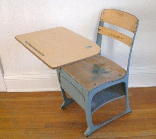 Vintage Child's School Desk and Chair Wood Metal Mid Century Envoy - Vintage Child's School Desk And Chair Wood Metal Mid Century Envoy