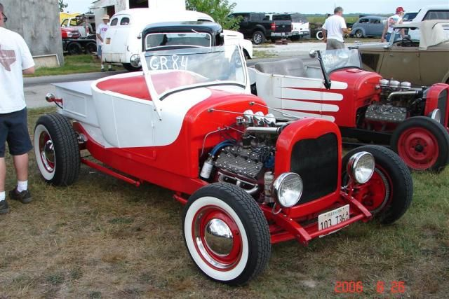 Roadster pick-up with Flathead