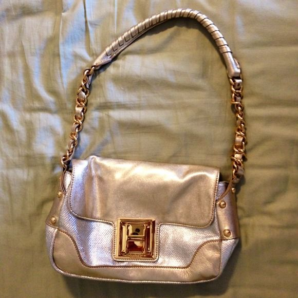✨NWOT Halston Heritage shoulder bag Metallic, 100% leather bag with gold hardware. Amazing bag that matches any going out outfit Halston Heritage Bags Shoulder Bags