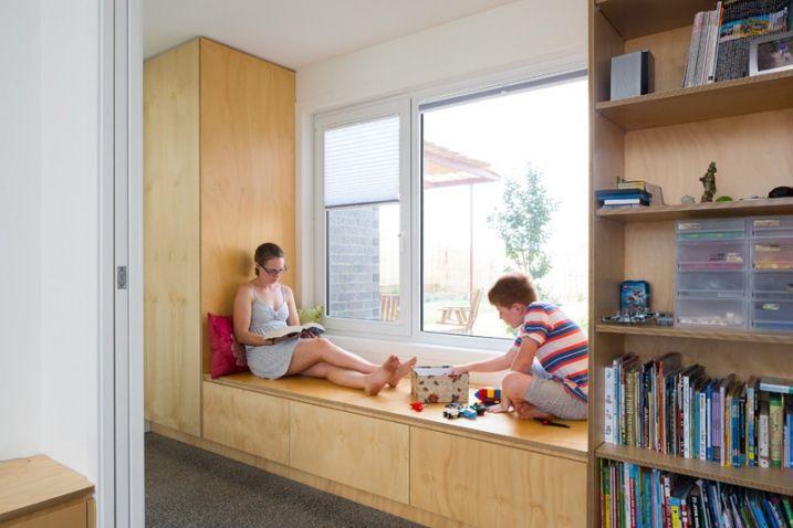 comment cr er une banquette cosy pr s d 39 une fen tre. Black Bedroom Furniture Sets. Home Design Ideas