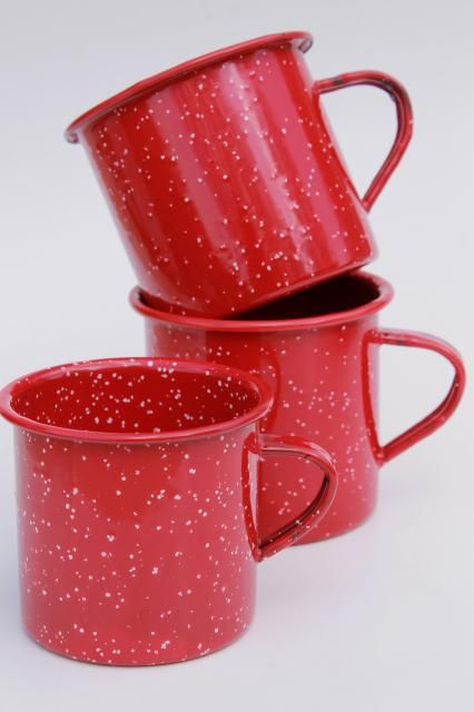 Old Fashioned Enamelware Camp Cups Red White Spatter Graniteware Coffee Mugs