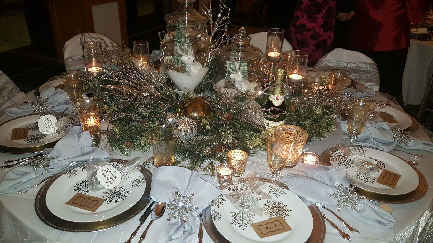 Lovely Winter Wonderland Christmas Table Setting Christmas Centerpieces Christmas Table Settings Winter Wonderland Decorations
