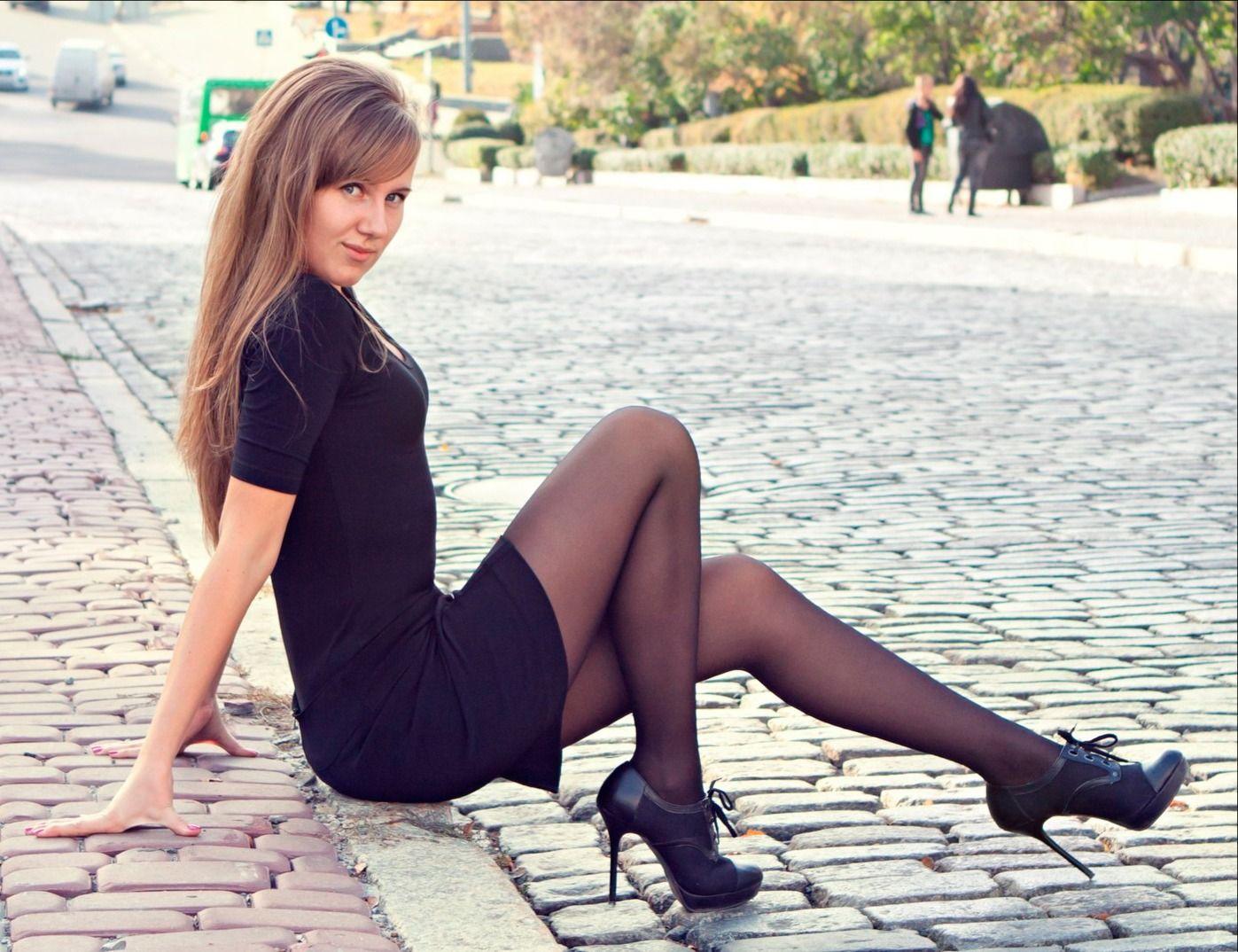 красивые девушки мира в мини юбках - 6