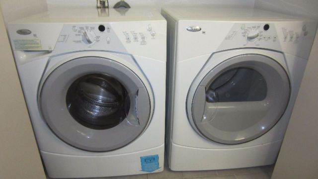 Laveuse Secheuse Whirlpool Duet Sport Laveuses Secheuses Ville De Quebec Kijiji Kijiji Classifieds Washing Machine